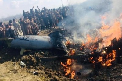 Indian Air Force jet crashes in J&K's Budgam